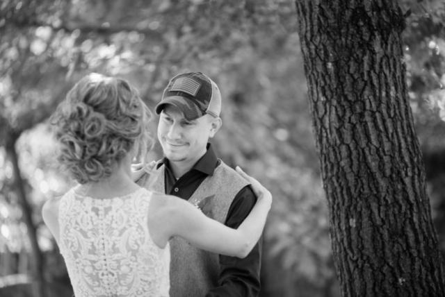Brickhouse Getaway Barn Wedding Wisconsin - Studio Delphianblue, photographer Danielle Albrecht