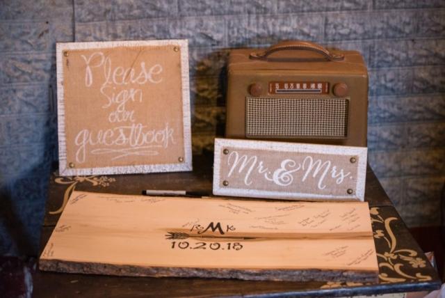 Barn Wedding Wisconsin - Studio Delphianblue, photographer Danielle Albrecht